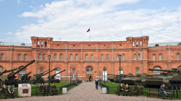 Артиллерийский музей в Петербурге открылся для посетителей