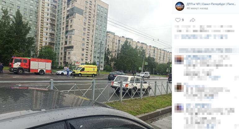 ДТП на Просвете: очевидцы спорят о числе пострадавших пешеходов