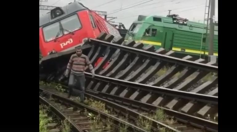 Возбуждено дело о столкновении поездов в Купчино