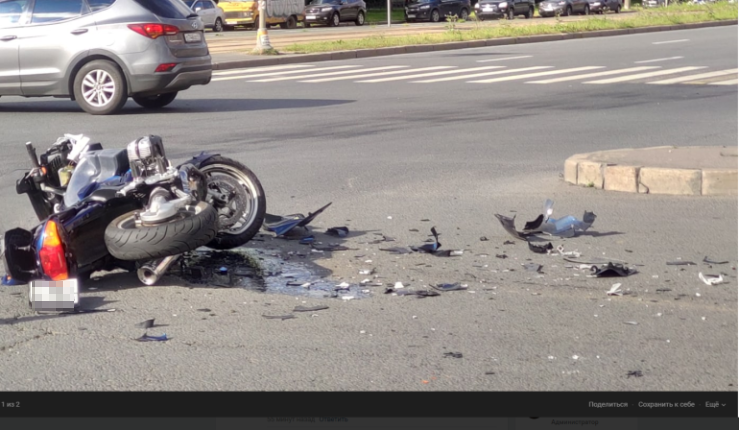 Мотоциклист, столкнувшийся с микроавтобусом на Коллонтай, погиб