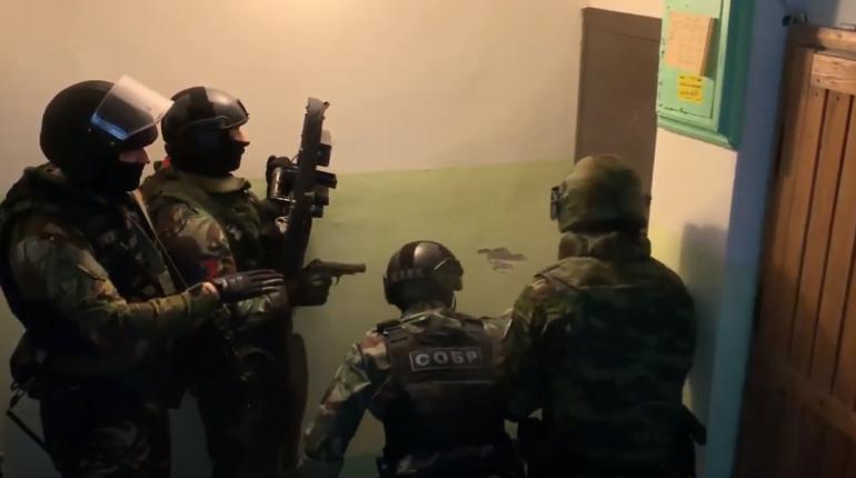 Петербуржец помог террористам на 200 тысяч, но потом к нему пришел СОБР