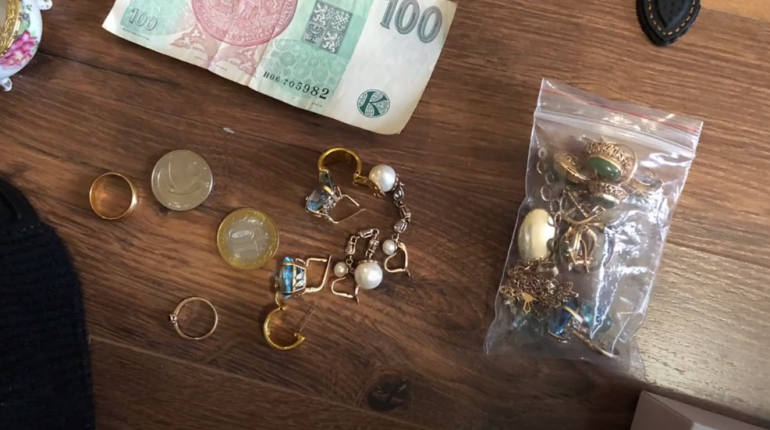 В Петербурге поймали домушников, которые за 3 месяца наворовали на 5 млн