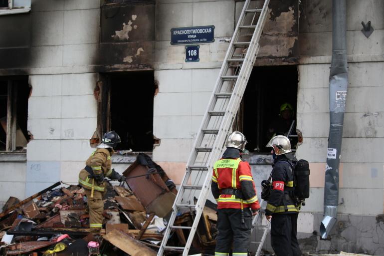 Прокуратура организовала проверку по факту пожара после взрыва газа на Краснопутиловской