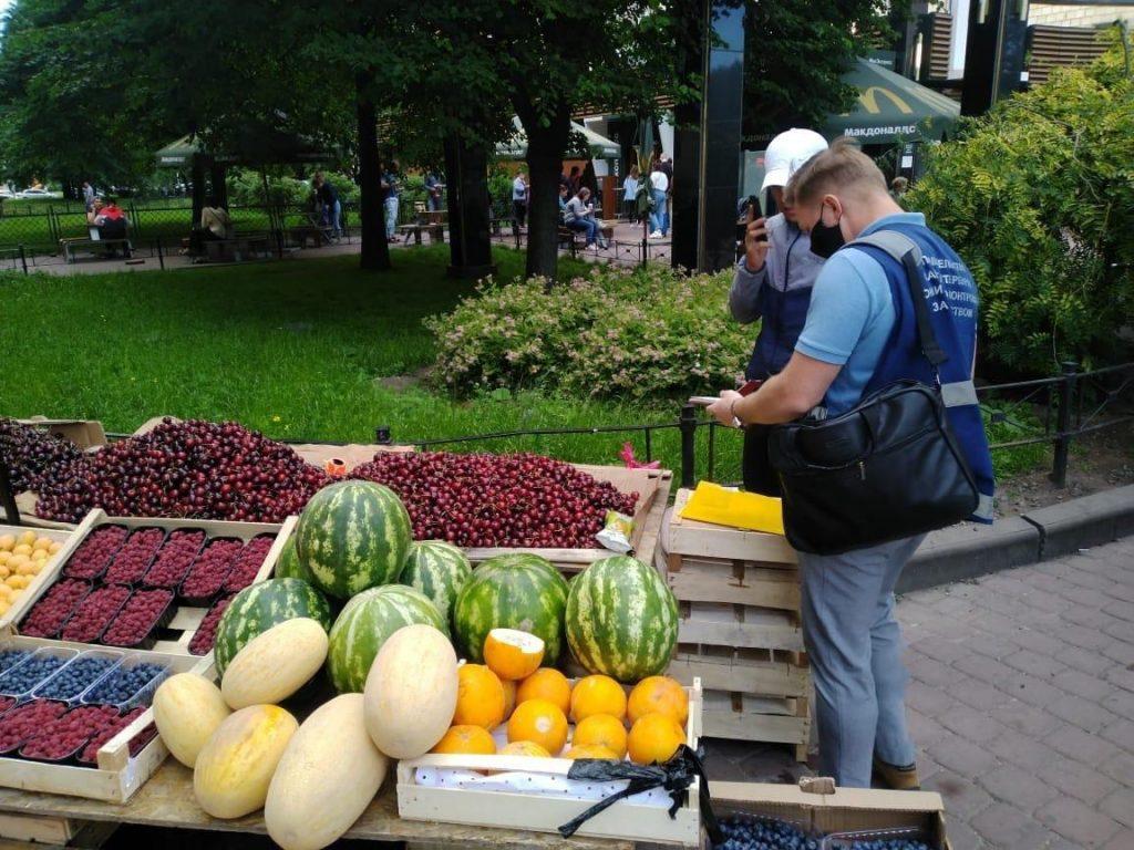 Инспекторы ККИ ликвидировали 26 незаконных ларьков в Петербурге