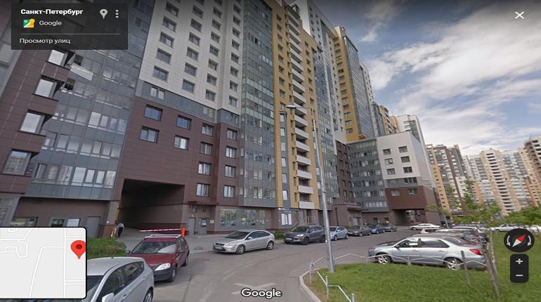 В Московском районе у мужчины угнали Land Rover Discovery