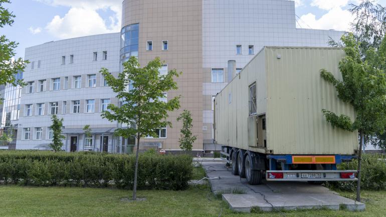 Испытания сетей миновали больных: Больницы Боткина и Мечникова подключены к горячему водоснабжению