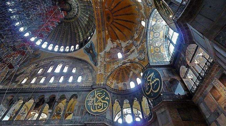 Собор Святой Софии в Турции официально стал мечетью, но открыт как для верующих, так и для посетителей