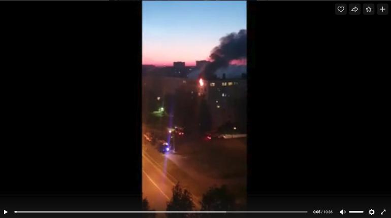 В ночном пожаре в Колпино пострадали трое