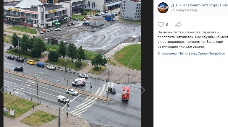 На проспекте Пятилеток два авто не поделили перекресток — приехала реанимация