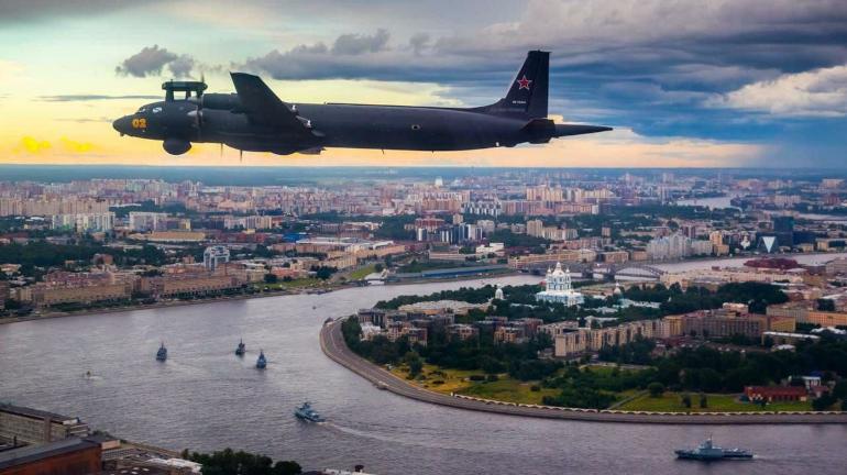 Во время салюта в честь дня ВМФ в Петербурге задействуют 3 тысячи фейерверков