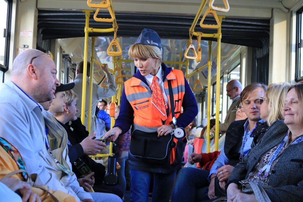 Пассажиров и работников петербургского Горэлектротранса защитят росгвардейцы