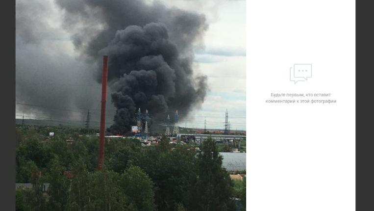 Спасатели два часа тушили пожар у «Мега Дыбенко» на Мурманском шоссе
