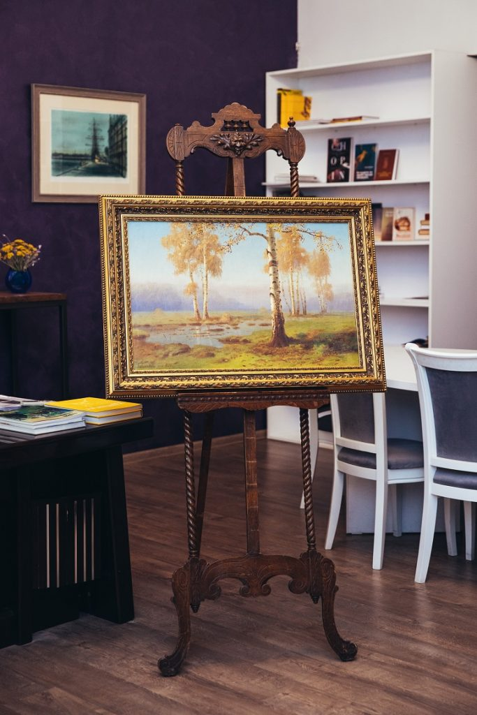 В Ленобласти ищут похитителя трех картин