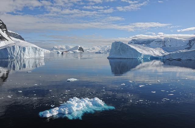 Первую утечку природного метана нашли в Антарктике