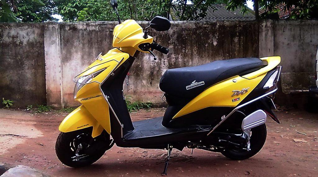 В Сиверском злодей «неславянской внешности» отобрал у подростка скутер Honda Dio