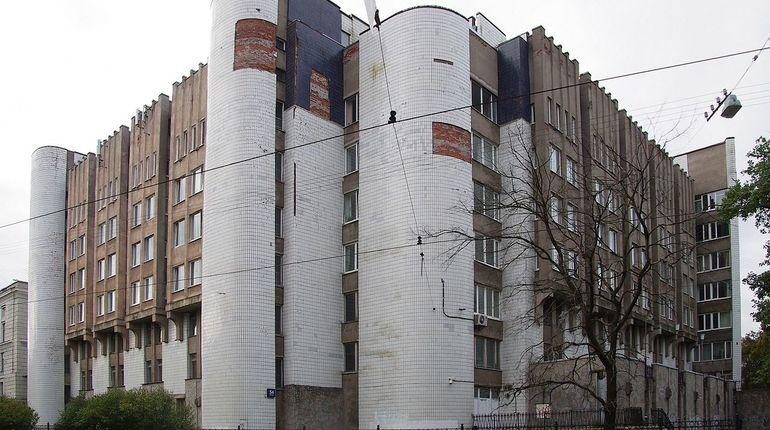 Сотрудницу университета Павлова оштрафовали на 25 тысяч за отсутствие масок у студентов