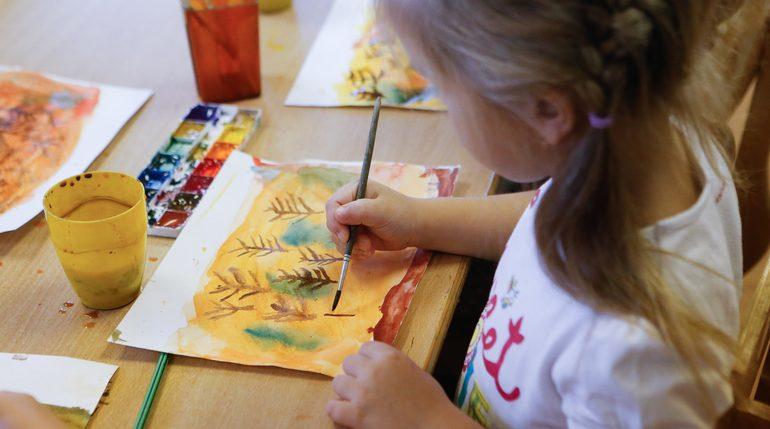 В Петербурге продолжают работать 8% организаций допобразования детей