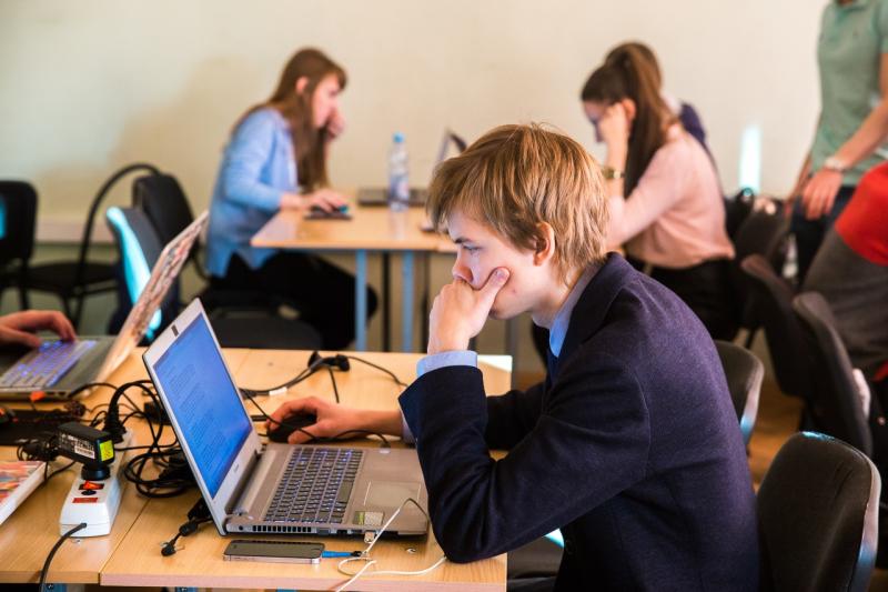 Тест на Covid-19 и двухнедельная изоляция: как иностранные студенты начнут обучение в вузах Петербурга