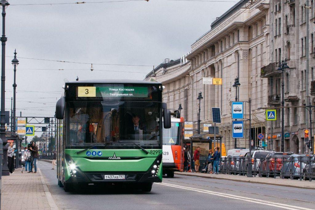 На двух популярных маршрутах в Петербурге появятся дополнительные автобусы
