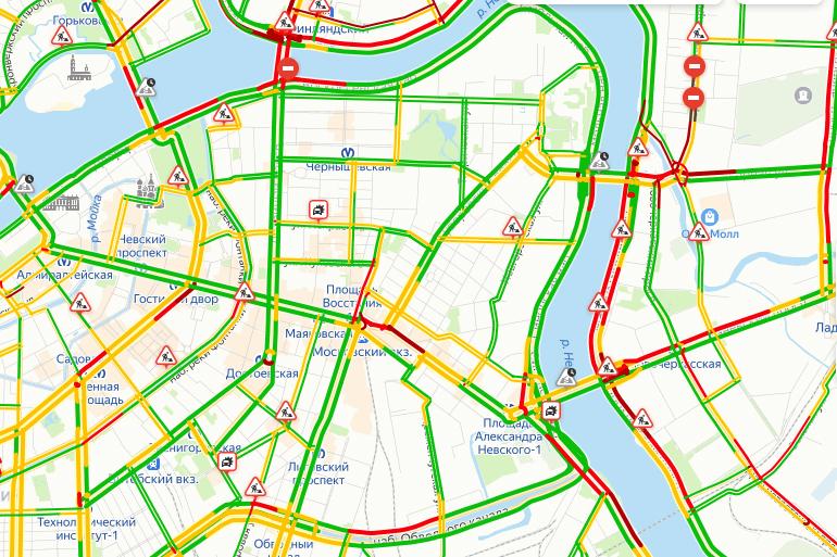 Петербург окутали аномальные пробки: стоит КАД на юге и севере