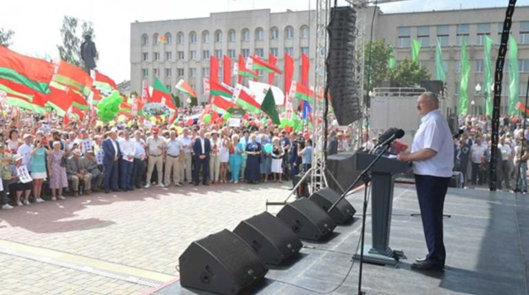 Лукашенко приказал без предупреждения реагировать на нарушения границы