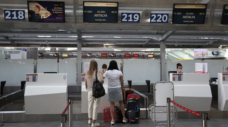 В пятницу в Пулково отменили 12 рейсов, 4 из них – в Анталью