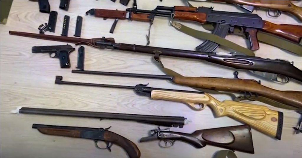 Оружейнику из Петербурга не дали домашний арест, а оставили под стражей до октября