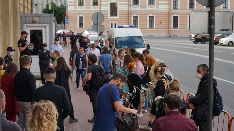 Масочный режим и акция у посольства Белоруссии: главное в Петербурге на 10 августа