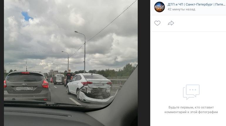На Мурманском шоссе пять автомобилей угодили в ДТП