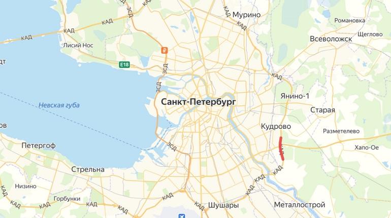 В Петербурге на КАДе столкнулись два грузовика