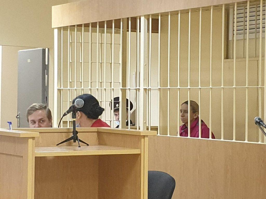 Подозреваемой в убийстве мужа-рэпера Энди Картрайта Кохал просят продлить арест еще на три месяца