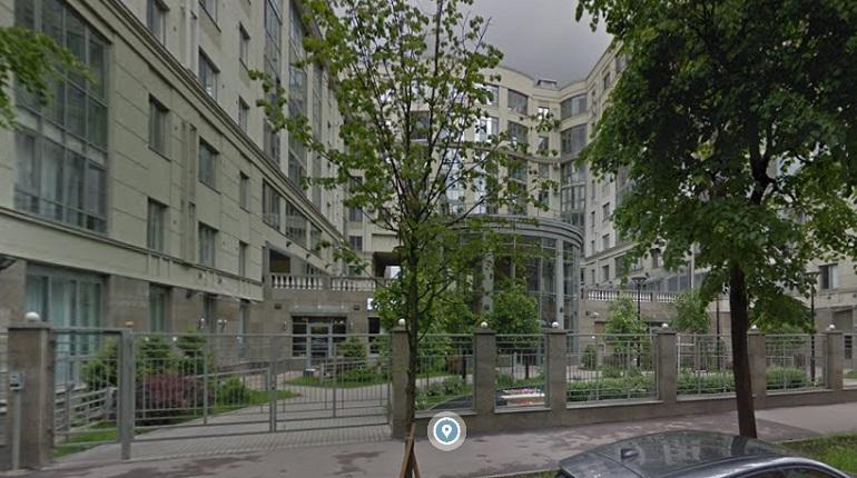 На Большой Посадской неизвестный похитил из квартиры 4,5 тыс. евро и украшения