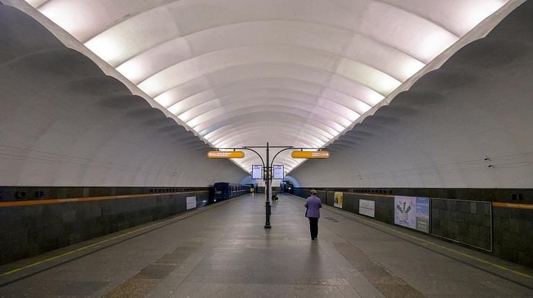 На станции «Проспект Большевиков» пассажир упал на пути