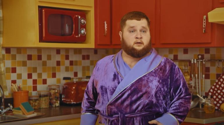 Пухляш снялся в новом клипеLittle Big с поющей едой