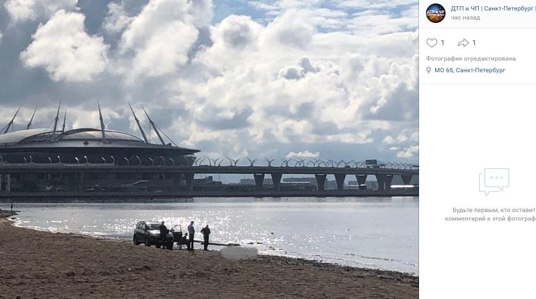 В Парке 300-летия на пляже нашли труп мужчины