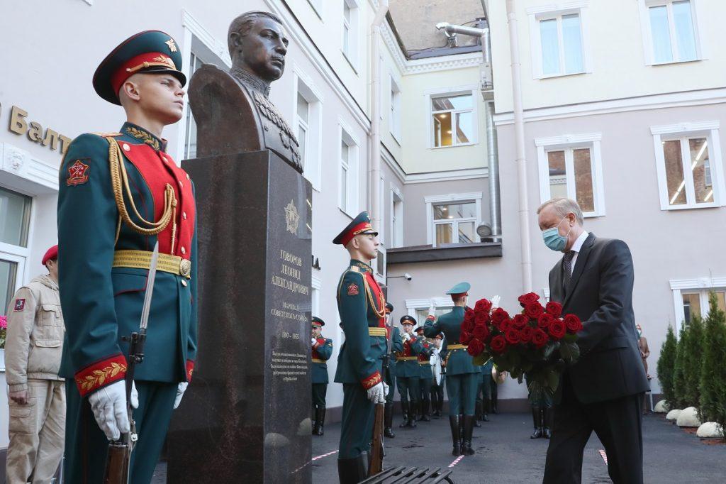 Бюст маршала Говорова появился в самом центре Петербурга