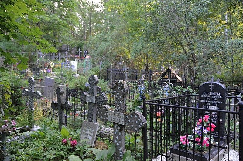 Смольный не объяснил шаг по увеличению расходов на содержание кладбищ в 12 раз