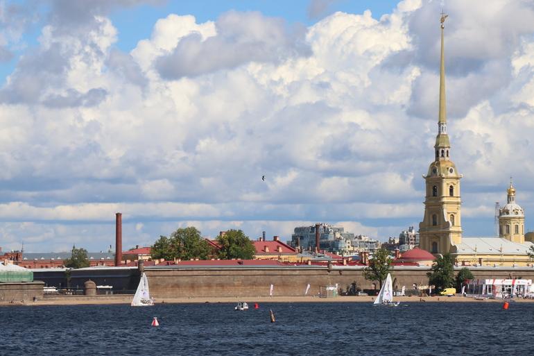 В Петропавловскую крепость было не попасть из-за репетиции парада ВМФ