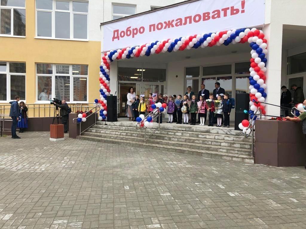 Александр Беглов открыл построенную Setl Group школу в ЖК «Чистое небо»