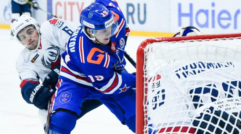 СКА в домашнем матче забросил пять шайб «Авангарду»