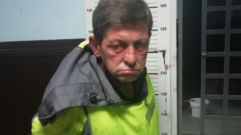 Автозаправщик с криминальным прошлым душил студентку в парадной на Хошимина