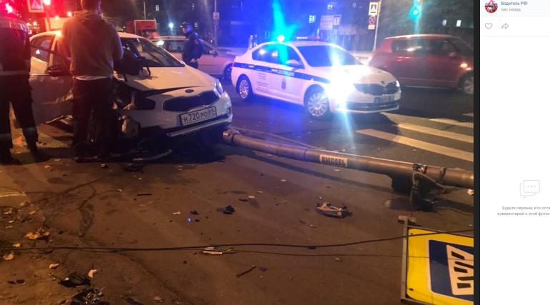 «Морда в мясо»: в Невском районе столкнулись Kia и Mercedes