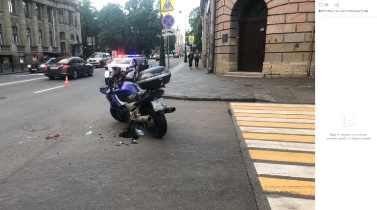 Водитель под «веществами» сопротивлялся после ДТП на Петроградке, возбуждено дело