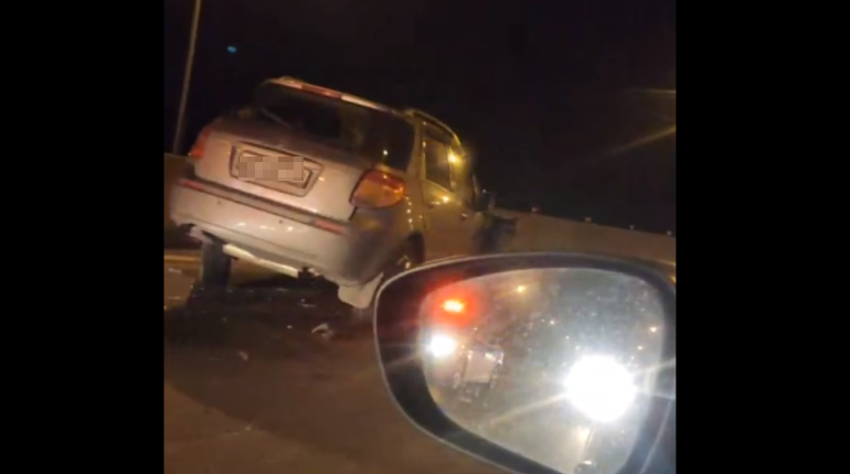 На трассе М-10 под Петербургом столкнулись семь машин