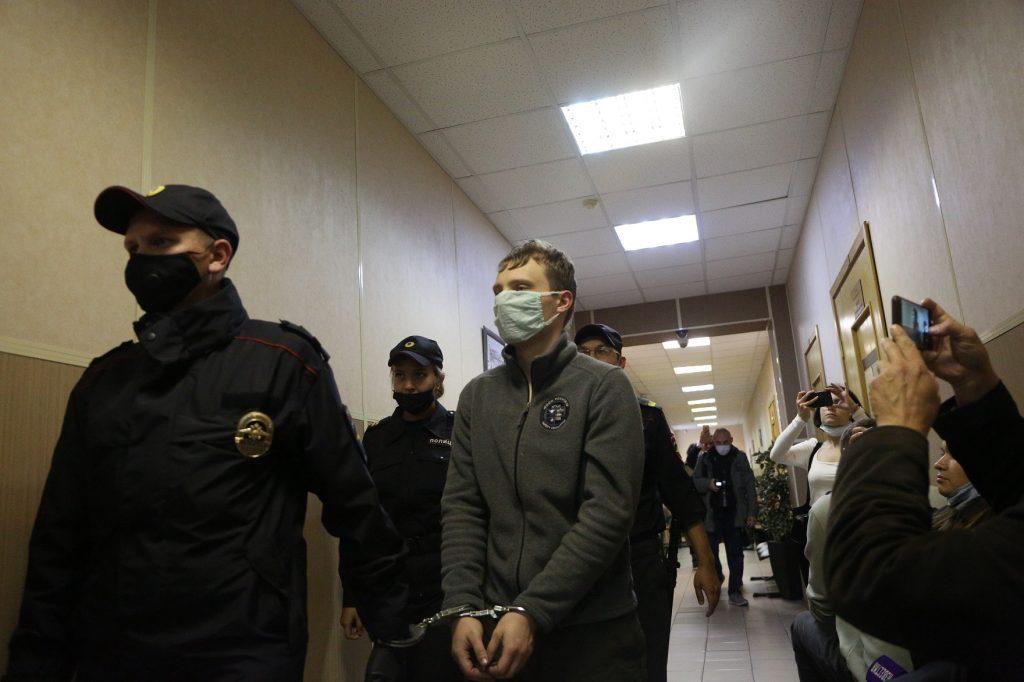 Студента, обвиняемого в жестоком убийстве матери, отправили в «Кресты»