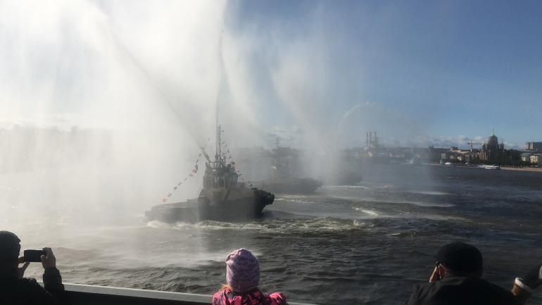 Фестиваль ледоколов открылся вальсом буксиров: фоторепортаж «Мойки78»