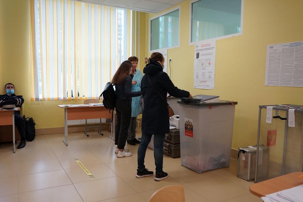 Петербургским школьникам отменят уроки из-за трехдневного голосования