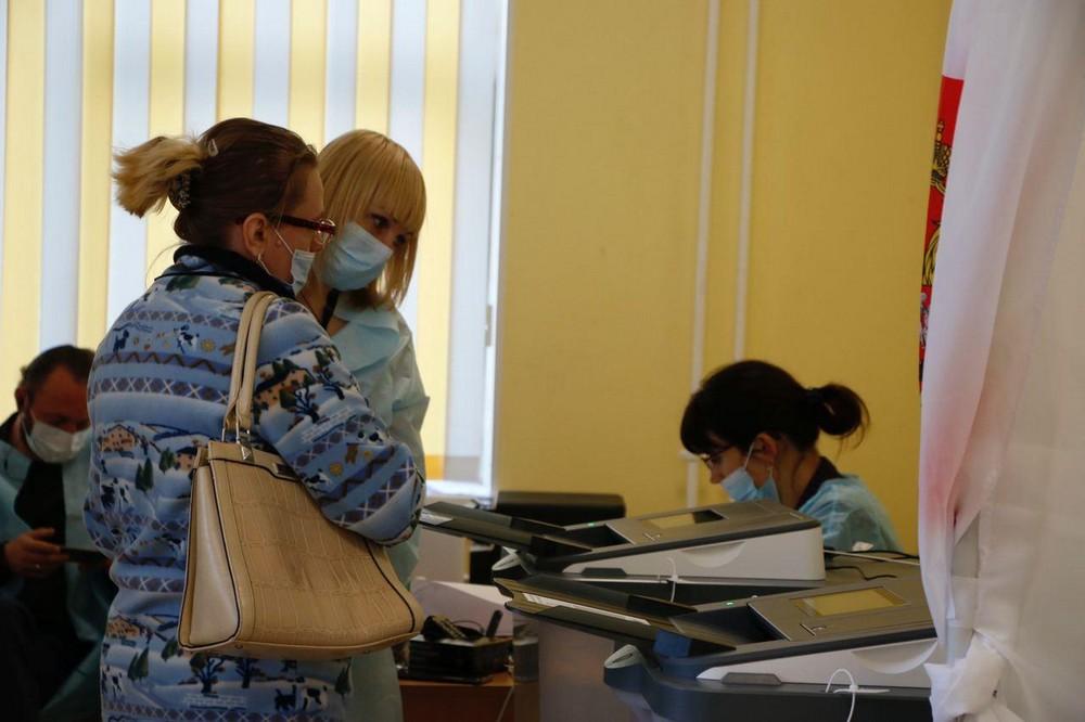 На выборы губернатора Ленобласти пришли 48,95% избирателей