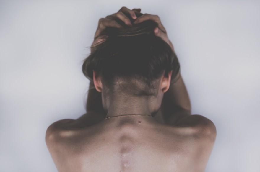 Японские ученые назвали возможную причину мигрени. Фото: Рixabay