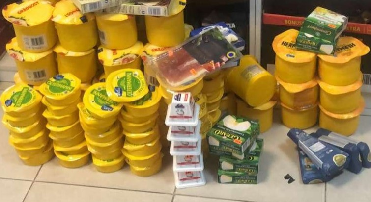 В Петербурге за два дня уничтожили почти 233 кг санкционной «молочки»